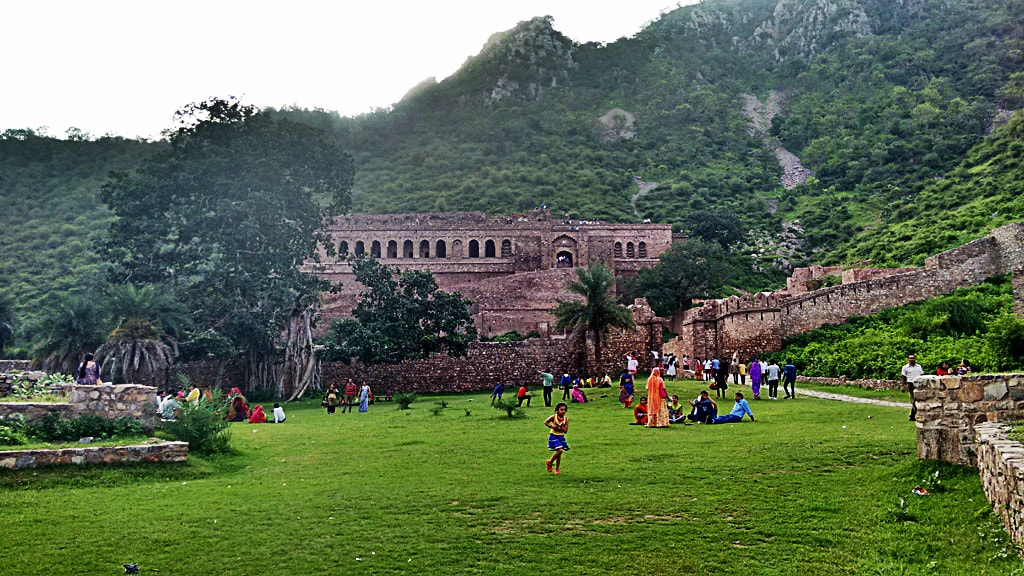 A day trip to Bhangarh Fort