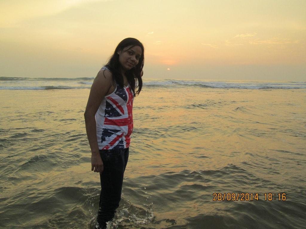 Shweta at Anjuna beach