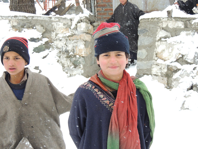 Child in Sonmarg