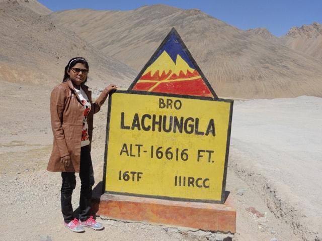Ruchika at Lachungla Pass