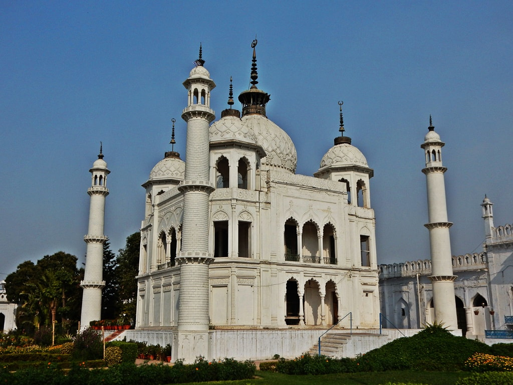 Mosque inside Chhota Imambara Premises