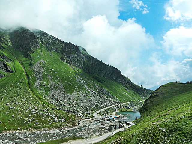 On the way to Rohtang Pass