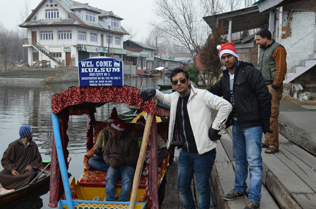 Shikara ride in Dal Lake, Srinagar