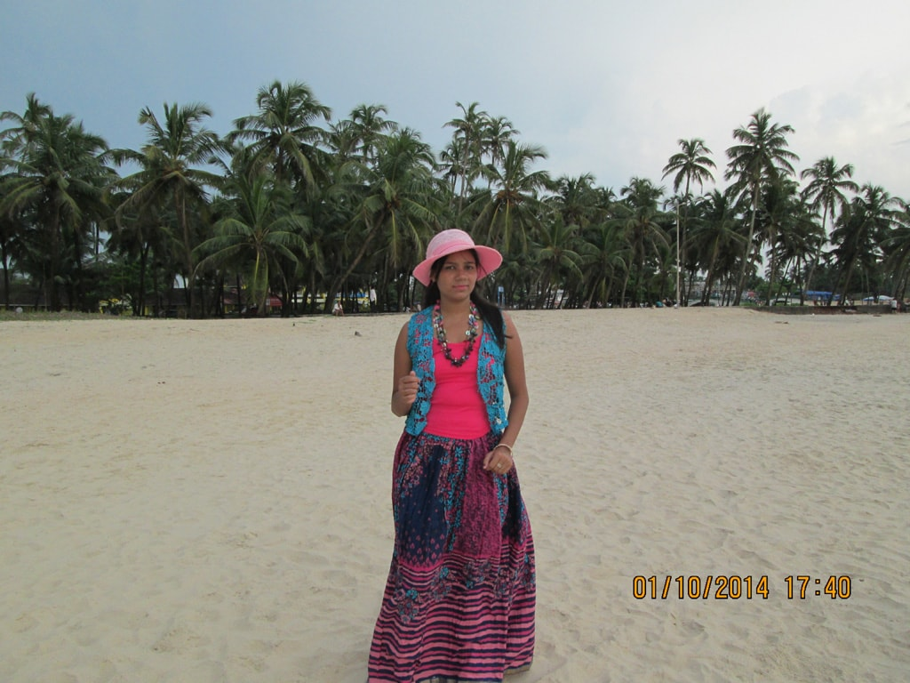 Shweta at Colva beach