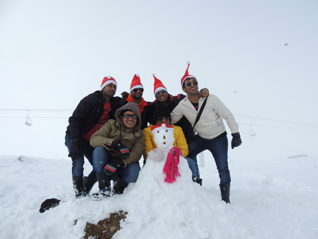 Snow man made by us, Gulmarg