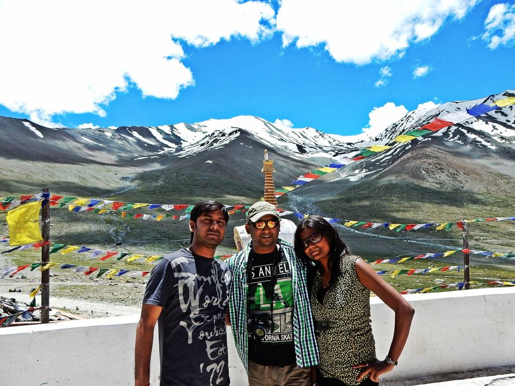 Vivek, Amby and Ruchika at Kunzum Pass