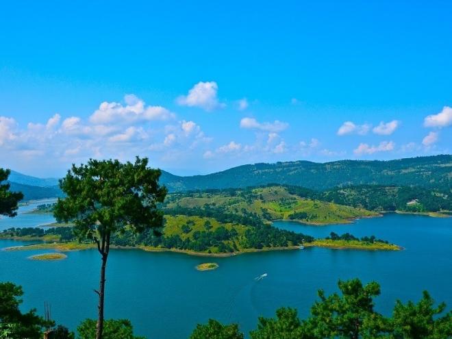 Umiam Lake (Barapani)