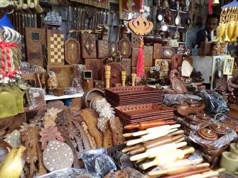 Lakkar Bazaar