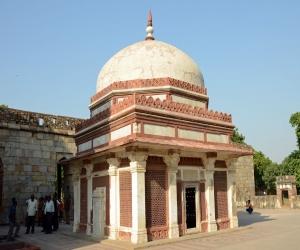Tomb of Imam Zamin Delhi