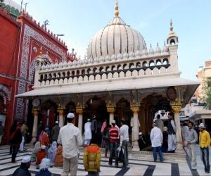 Hazrat Nizamuddin (Nizamuddin's Shrine) Delhi
