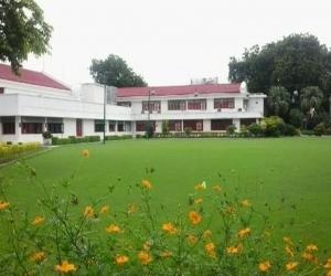 Kamla Retreat Kanpur